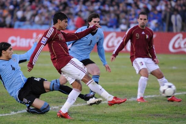 Honduras venció a Venezuela 2-0