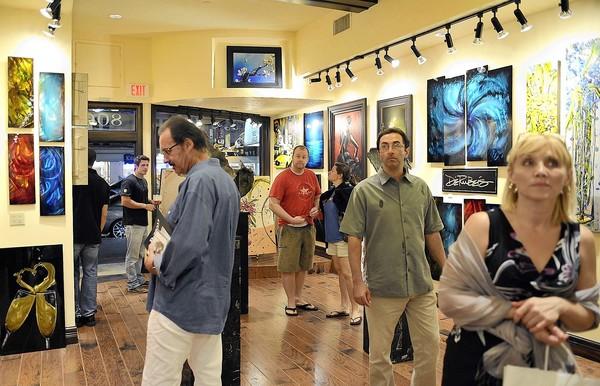 Toman fuerza las caminatas culturales por el Sur de la Florida