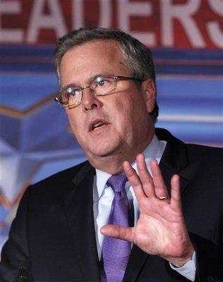 Ex gobernador Jeb Bush anunció su apoyo a Mitt Romney