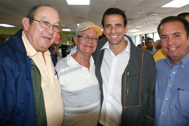 Don Domingo Solares estuvo en Miami y compartió con su hijo Pedro y el candidato opositor venezolano Capriles Radonski