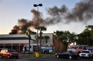 La avioneta se estrello en el Centro Comercial Northgate