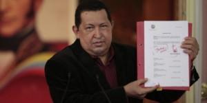 Chavez presenta nueva Ley del Trabajo