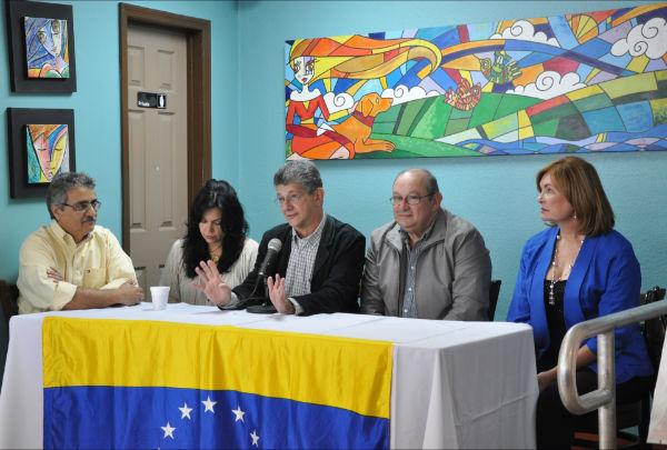 Ramos Allup junto a Pedro Mena, Gisela Parra y Gonzalo Aguerrevere