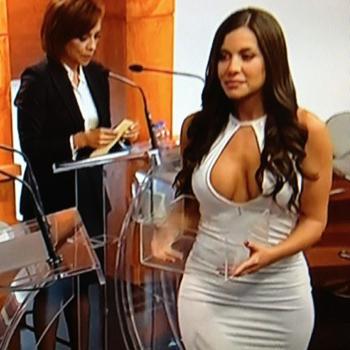 julia-orayen-debate-presidencial-mexico-2012