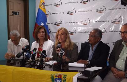 Beatriz Olavarría al momento de ofrecer sus declaraciones