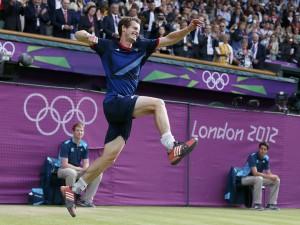 Andy Murray feliz con su oro olímpico