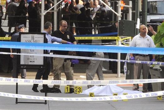 Policia acordona el lugar tras el tiroteo en NY