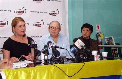 Pedro Mena, Gisela Parra y Nidia Villegas opositores venezolanos