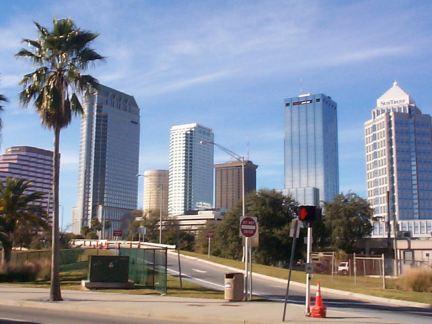 Los nuevos deserterores prefieren a Tampa para estar lejos del exilio en Miami