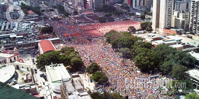 Toma aerea de la concentración opositora en Caracas
