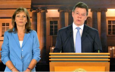 Presidente Santos y su esposa