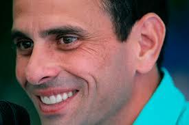 Capriles: Si Chávez no asume el 10-E no pierde condición de presidente electo