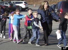 Evacúan a los ninos en la escuela de Connecticut