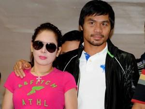 Pacquiao llega a Filipinas con su esposa