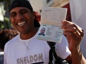 Cubanos con pasaporte