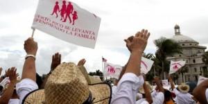 Protesta en PR para defender a la familia