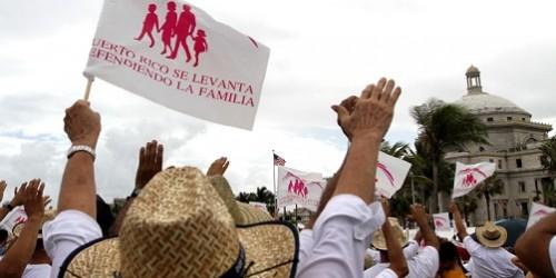 Tribunal de Puerto Rico nega adopción a niña de pareja lesbiana