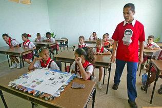 Gobierno cubano considera que dar clases a particulares es ilegal