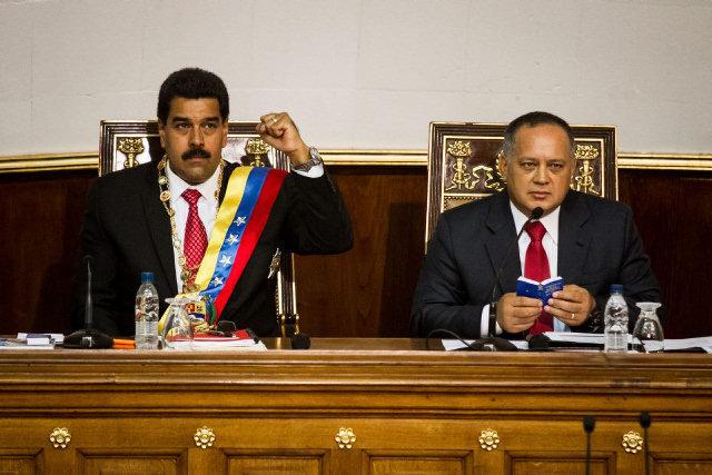 Aprueban en primera discusión poderes especiales para Maduro en Venezuela