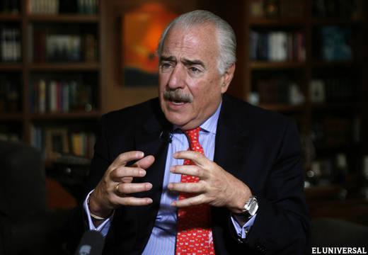 Expresidente Pastrana denuncia violación de la democracia en Venezuela