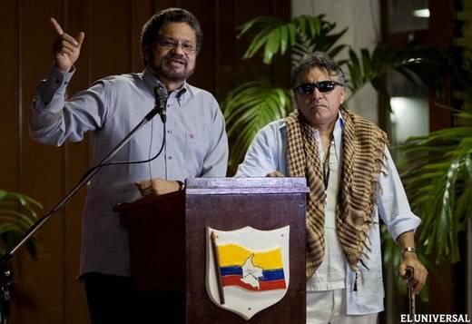 Las FARC advierten impacto negativo sobre el diálogo de paz por destitución de Petro