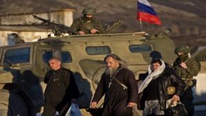 Rusos toman control de poblado cerca de Crimea