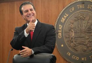Alcalde de Hialeah se lanza prematuramente a la reelección