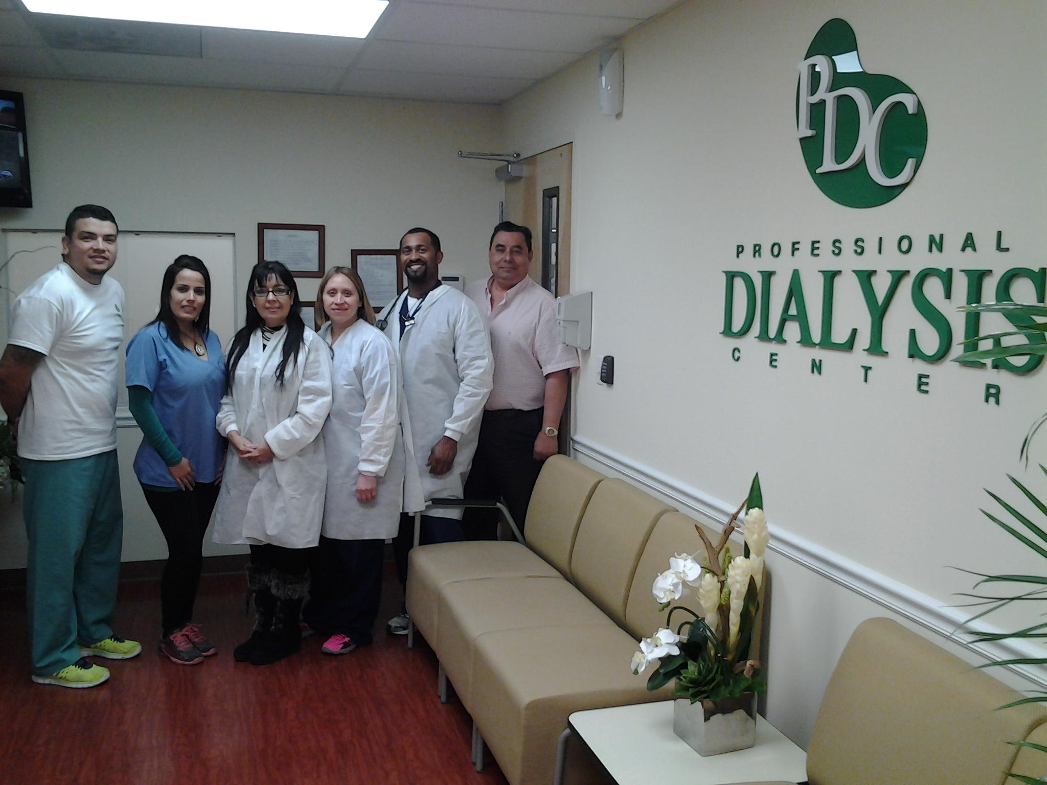 Brindis de apertura del Professional Dialysis Center en Pembroke Pines