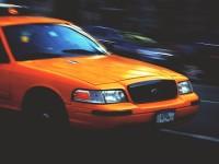 Demanda busca terminar servicios Uber y Lyft de Miami-Dade