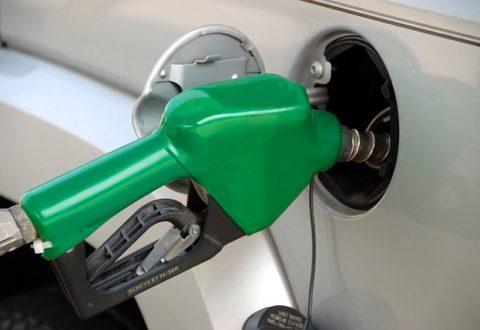 Dispositivos para clonar tarjetas, en aumento en las gasolineras en Florida