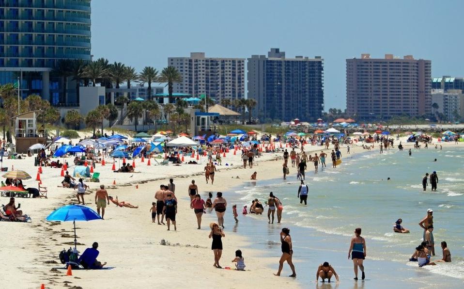 Toman precauciones para enfrentar las grandes multitudes que se esperan en  las playas de Florida - Sur Florida